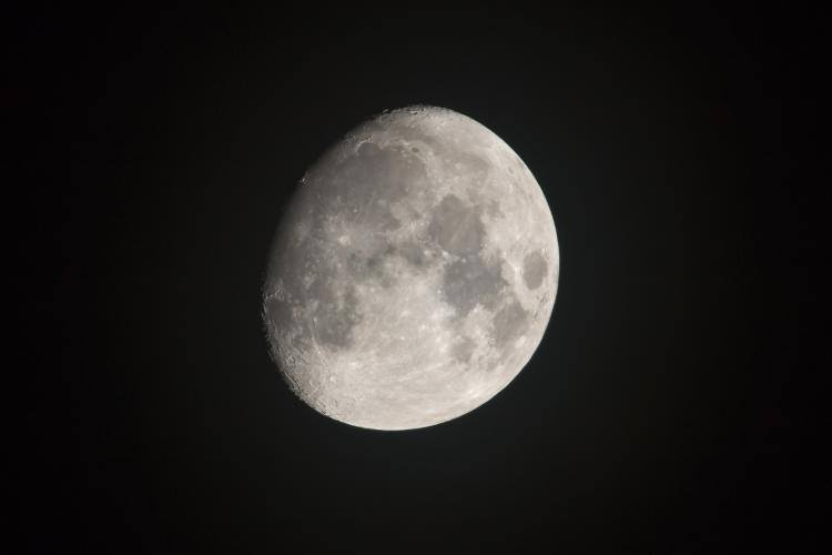 Gibbous 16 March